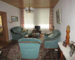 Modernisierte 3-Raum-Wohnung mit Einbauküche in Golßen