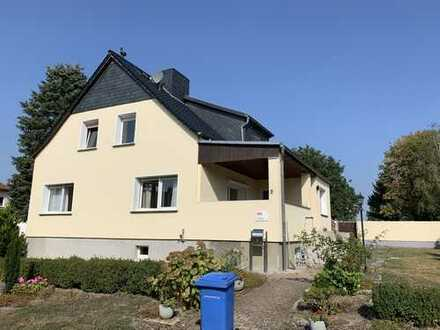 Schönes Einfamilienhaus mit Ausbaureserve und Traumgrundstück