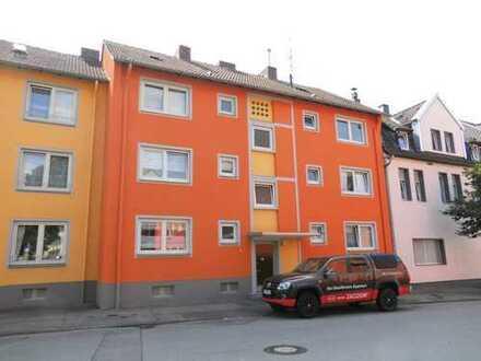 Gemütlich! Praktisch! Schön! Top 2,5 Raum Wohnung mit Balkon! Stadtnah!