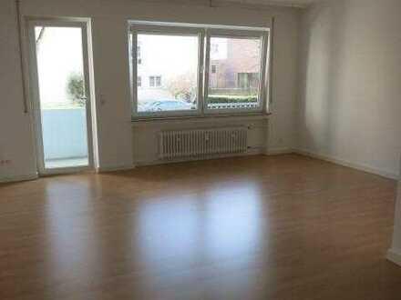 *Nur an 1 Einzelperon* Praktisches 1-Zimmer-Apartment mit Balkon und Stellplatz in Rödelheim