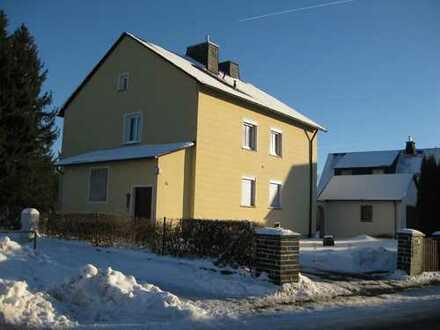Renovierte drei Zimmer Wohnung in Oberkotzau