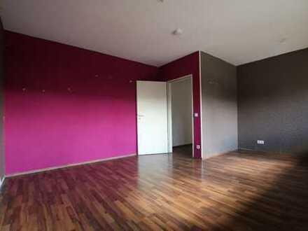 WG´s aufgepasst! 4 Zimmer Wohnung zu vermieten - Max. 1 Jahr Laufzeit - Unrenoviert