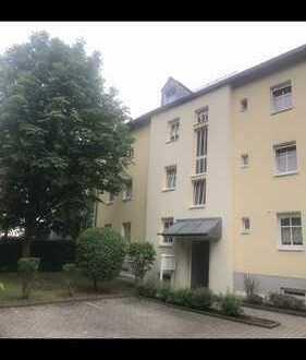 Erstbezug nach Sanierung ! Sonnig-ruhige 3 Zi.-Wohnung mit Balkon, EBK, WG-geeignet