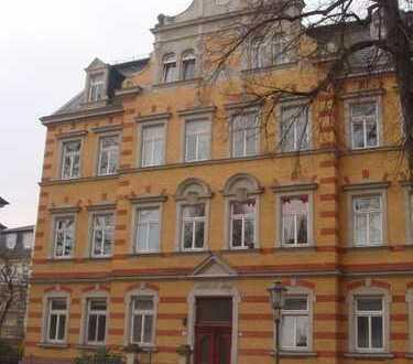 Erstklassige Wohnung in ruhig gelegener Gründerzeitvilla in Striesen! EBK kann übernommen werden!