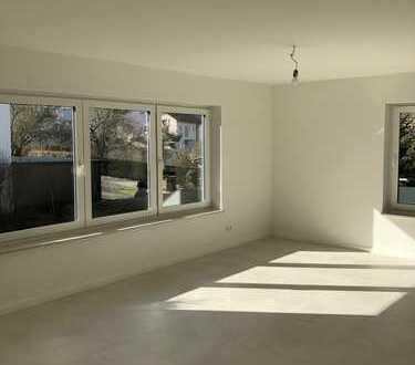 Vollständig renovierte 3,5-Zimmer-Terrassenwohnung mit Balkon, Garage und EBK in Gaildorf
