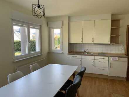 Stilvolle, geräumige 1-Zimmer-Wohnung mit Einbauküche in Pfinztal