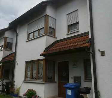 Großzügiges Reihenmittelhaus in bevorzugter Wohnlage in Neumarkt Altenhof