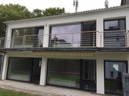 modernes Zweifamilienhaus am Rande des Godesberger Villenviertels