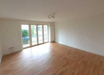 Erstbezug nach Sanierung: 3-Zimmer-Wohnung mit EBK und Balkon in der Weststadt
