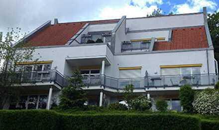 Ebingen: Moderne stadtnahe 2,5 Zi - EG Wohnung mit großer Terrasse und XXL Garage