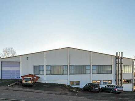 Ebenerdiges Tor EG, lichte Höhe 3,7 bis 6 m * Hanggeschoss mit Büro, Sozial u. Lager, ebenerd. Tor