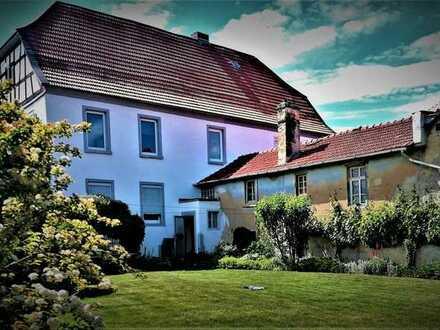 Herrschaftlicher Gutshof mit großen Gartenanteil / Pferdehaltung möglich