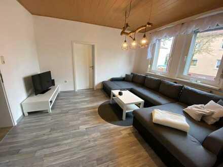 2 x Sanierte 5-Zi.-Whg. mit ca. 100,94 m² im EG und OG, ohne Balkon zu vergeben