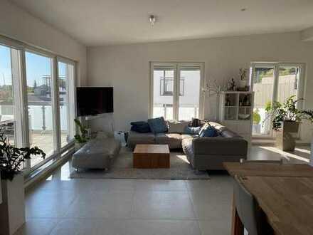 Neuwertige 4-Raum-Penthouse-Wohnung mit 2 Terrassen in Wiesloch