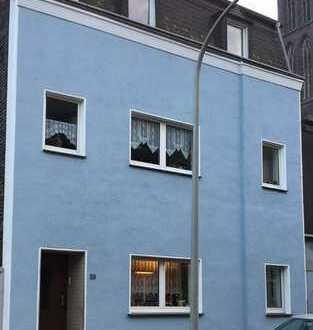 100m² Wohnung in Duisburg-Beeck !