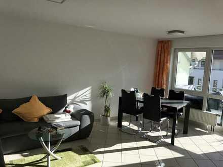 Vollmöblierte und moderne 2-Zimmer-Wohnung mit Balkon, EBK und Tiefgaragenstellplatz in Böblingen