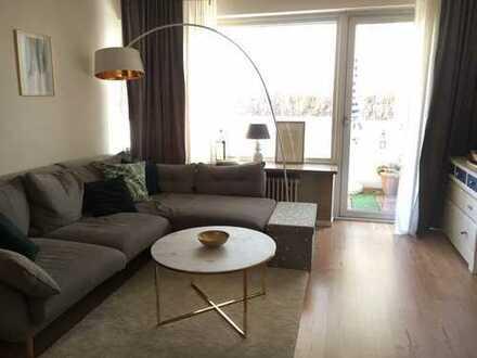 schöne und gepflegte 2-Zimmer-Erdgeschosswohnung mit Balkon und Einbauküche in Neuhausen, München