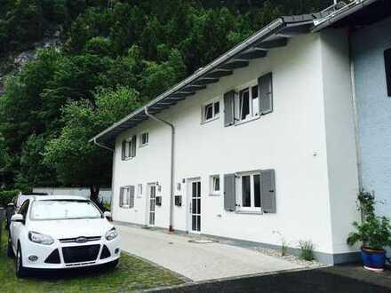 Schönes & modernes Haus mit vier Zimmern in Oberammergau, (Kreis Garmisch-Partenkirchen)