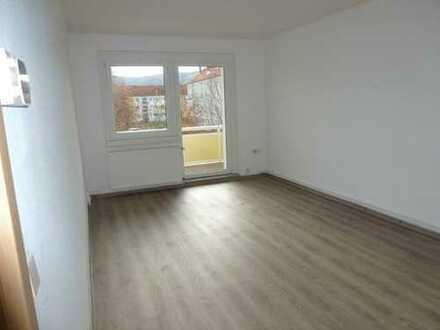 Schöne renovierte 4-Raum-Wohnung