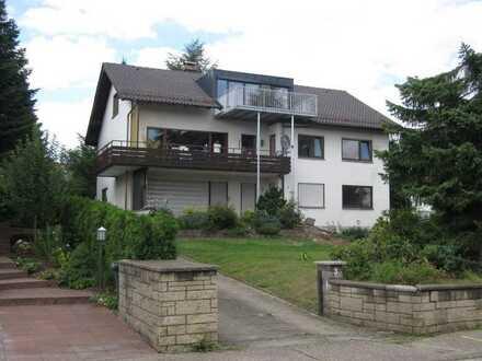 Exklusive 4,5 Zi-Wohnung in ruhiger Lage mit eigenem Garten