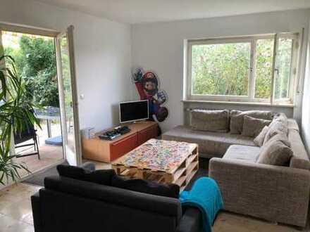 Zimmer in entspannter 4er WG mit Stadtblick und Garten