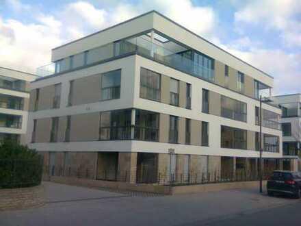Erstbezug mit Einbauküche und Balkon: exklusive 2-Zimmer-Wohnung in Frankfurt am Main, Riedberg