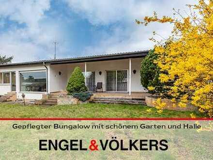 Gepflegter Bungalow mit schönem Garten und Halle im Gewerbegebiet Haßloch