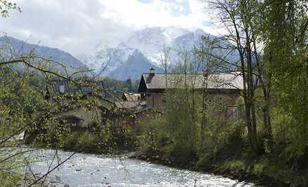 Vollständig renovierte Wohnung mit vier Zimmern sowie Balkon und EBK in Berchtesgaden