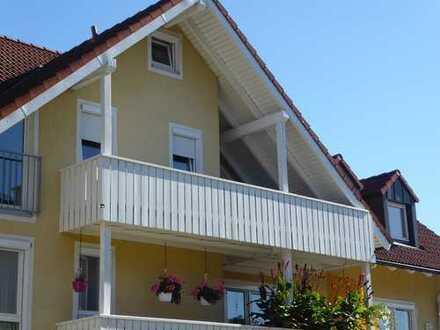 Großzügig geschnittene 2 Zimmer Eigentumswohnung mit großem Balkon in Oberkotzau