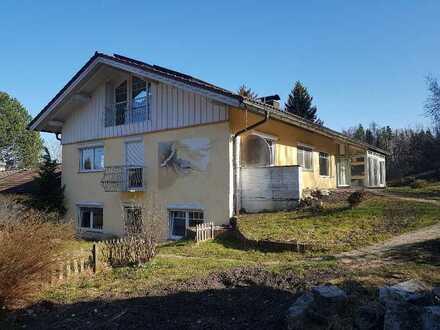 Mediterranes Zwei-Dreifamilienhaus in Peißenberg