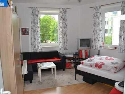 Augsburg-Göggingen, frisch renovierte 2 ZKB – Nähe Hessing Park Clinic – gerne an nette Studenten