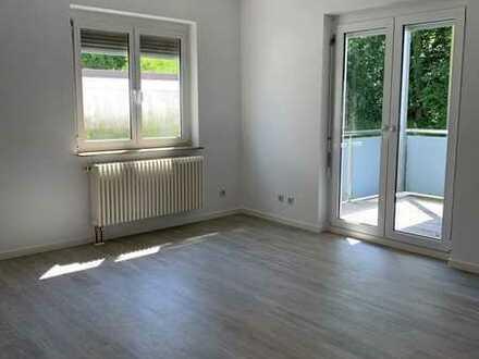 Vollständig renovierte 3-Zimmer-Erdgeschosswohnung mit Balkon und EBK in Stuttgart