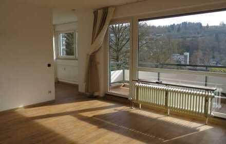 Sonnige 1,5-Zimmer-Wohnung mit Balkon und EBK in der Siegener Oberstadt , reserviert