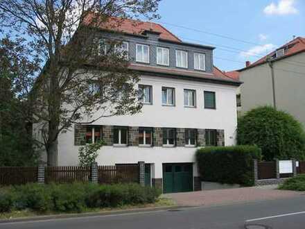 Schöne 3-Raumwohnung mit Balkon und Garage zu verkaufen !