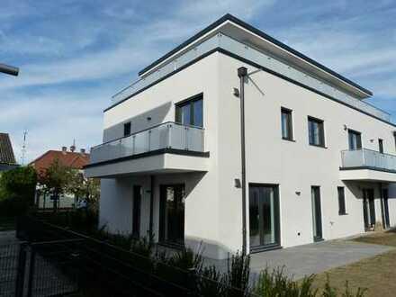 Schicke Neubauwohnung mit Balkon südlich von Ingolstadt / Erstbezug