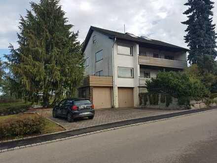 TOP Immobilie: freistehendes Einfamilienhaus mit Garage und sehr gepflegtem Nebengebäude