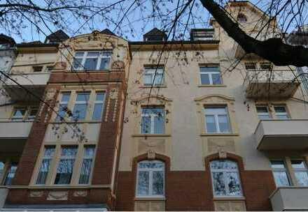 Wunderschöne, frisch sanierte und sehr helle 3-Zimmer-Wohnung mit zwei Balkonen im Dichterviertel