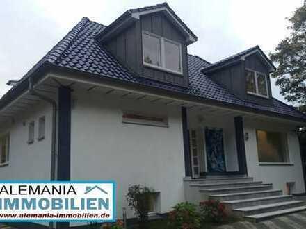 MFH mit 5 Whg.- 3 x Luxus Einfamilienhäuser mit 5 Wohnungen-ruhig gelegen in HH-Meiendorf/ Volksdorf