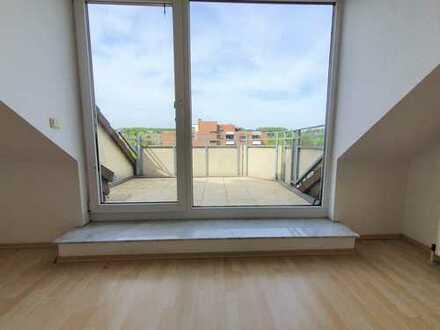 Vom Eigentümer ohne Makler - Stilvolle 2-Zimmer-Dachgeschosswohnung mit Balkon und EBK in Brühl