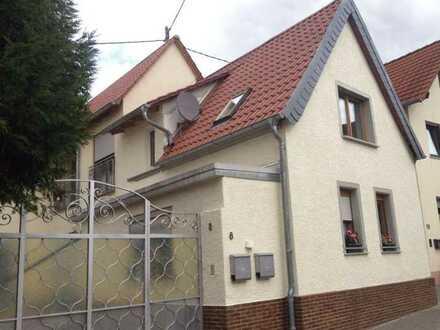 Attraktive 4-Zimmer-Erdgeschosswohnung mit Einbauküche in Dalheim