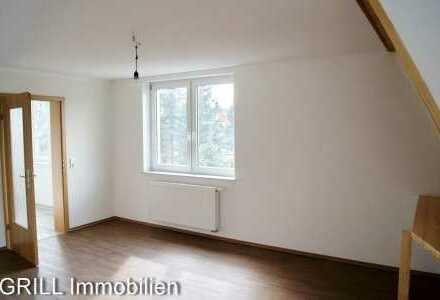 ERSTBEZUG! 3-R-W im DG, Bad mit Wanne, Küche mit Fenster, Keller u. Abstellr. in Borna-Heinersdorf