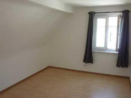 WG mit 3 Zimmern zu vermieten, renoviert Dachgeschoss Friedhofstr in 79106 Freiburg