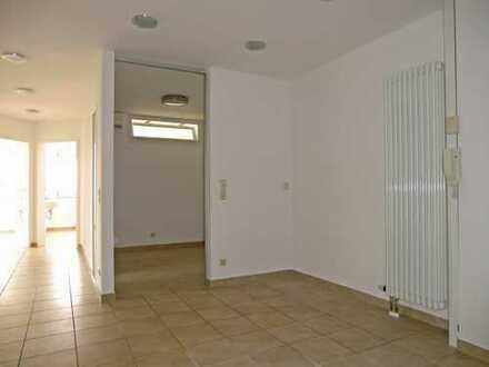 Praxisräume im 1. Obergeschoss in Abensberg zu vermieten - hell, modern und großzügig
