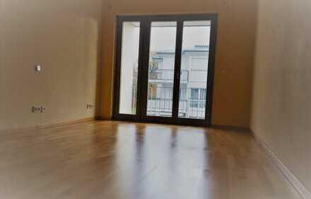 Helle 3-Zimmer-Wohnung mit Einbauküche in Solln, München