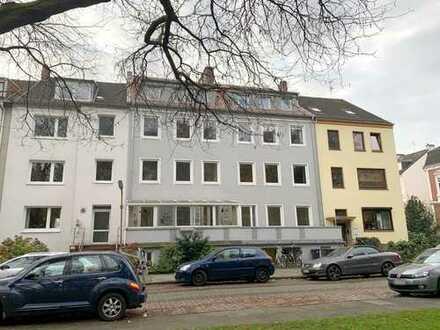 Direkt am Hohentorspark! Helle 3-Zimmer-Etagenwohnung mit Balkon und Veranda