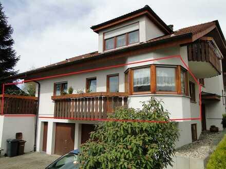 Gepflegte 3-Zimmer-Hochparterre-Wohnung mit Balkon, Terrasse und EBK in Eisingen