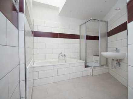 sanierte 3 Zimmer Wohnung im Dachgeschoss mit Balkon und Fußbodenheizung ab sofort zu vermieten!