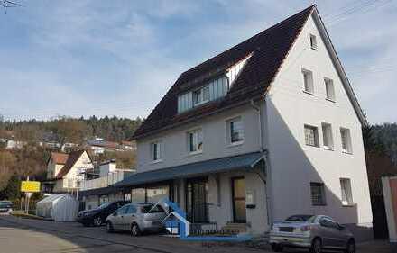 Großzügiges Wohn- und Geschäftshaus mit zusätzlichen Gewerbeeinheiten