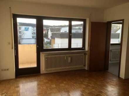 Traumhafte, ruhige und gepflegte 1,5 Zimmer-Wohnung mit Sonnenbalkon in Bad Mergentheim