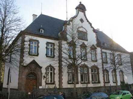 Großzügige 3-Zi.-Wohnung in Neheim * Kernsaniertes Denkmal * Topp Ausstattung * Balkon * Zentral *